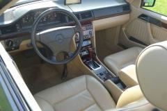 Mercedes-E320-Cabriolet-2
